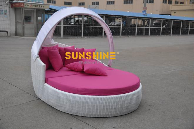 Pink Garden Furniture Garden furniture viro rattan daybed outdoor furnituremodern garden furniture viro rattan dabyed workwithnaturefo
